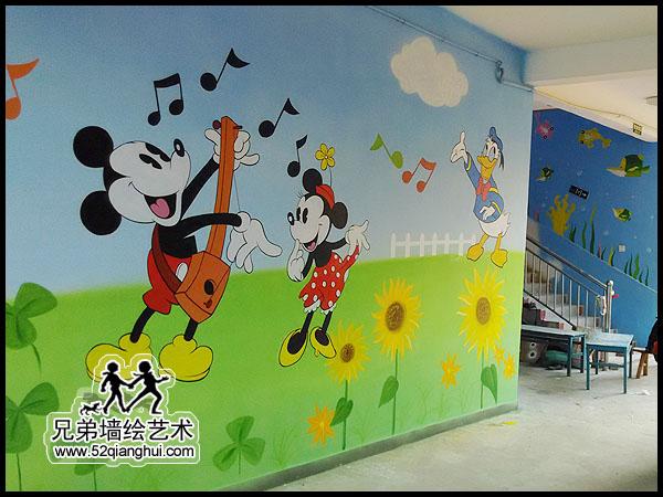 幼儿园墙体彩绘图案常以卡通人物,动画,风景,迪斯尼形象为绘制对象,还
